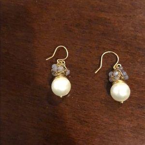 Jewelry - Faux pearl cluster earrings